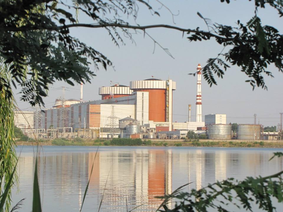Энергоатом впервые загрузил весь блок АЭС американским топливом
