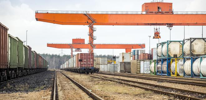 Укрзалізниця запустила экспериментальный контейнерный поезд - Фото