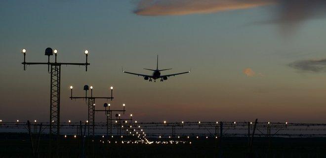 Аэропорт в Западной Украине открыли после простоя - Фото