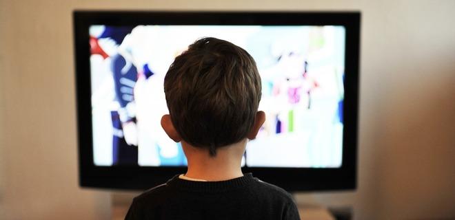 Кабмин просят сохранить аналоговое ТВ на границе с Россией - Фото