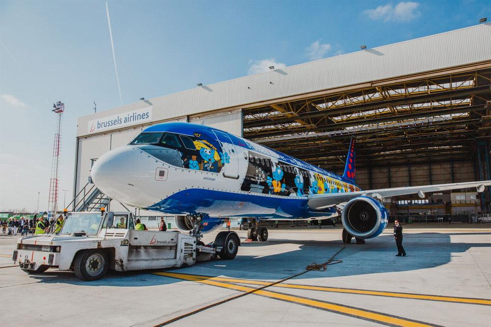 Brussels Airlines запускает в Киев авиарейсы со смурфами
