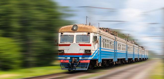 УЗ возобновила движение пригородных поездов на Донбассе - Фото