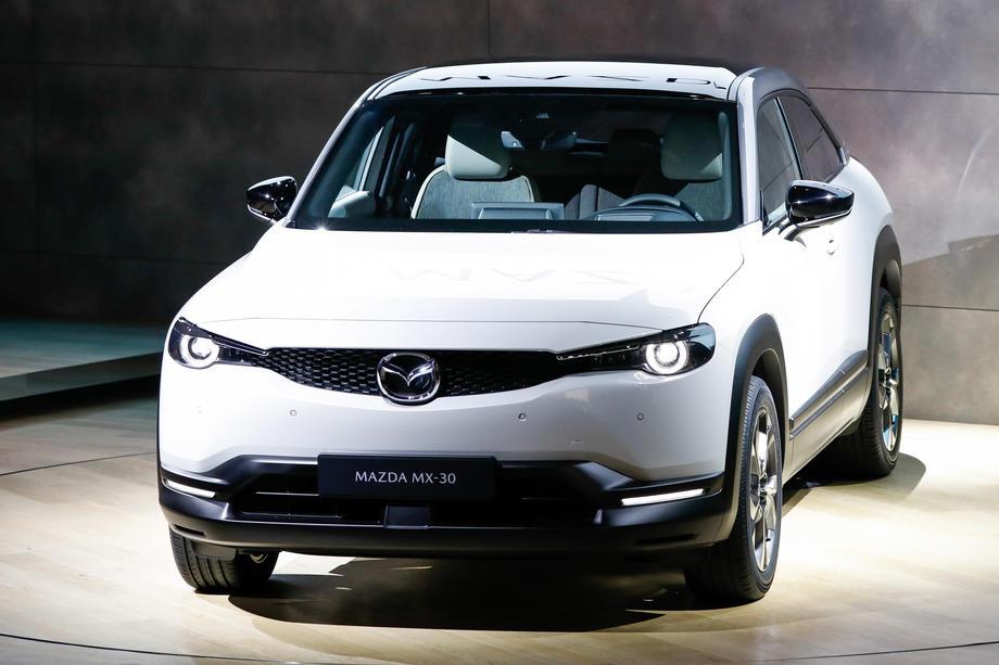 Mazda представила свой первый электромобиль 01