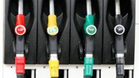 Дефицит бензина может возникнуть уже в апреле