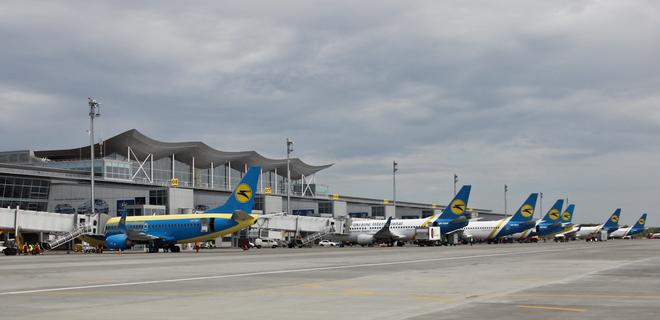 5 авиакомпаний контролируют 93% рынка авиаперевозок Украины - Фото