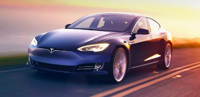 Tesla представила две новые версии электромобиля Model S: фото - Фото