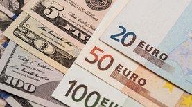 К закрытию межбанка доллар подорожал на 9 копеек