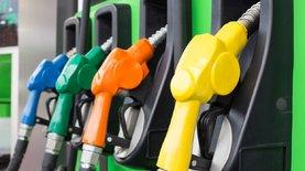 Крупные сети АЗС снизили цены на бензин и ДТ