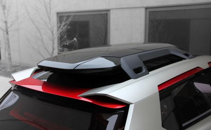 Nissan представил футуристический концепт кроссовера Xmotion