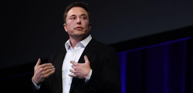 Глава Tesla анонсировал выпуск полноприводного электрокара - Фото
