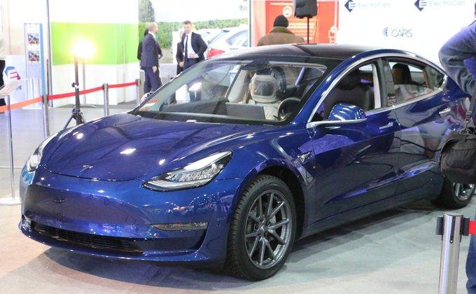 Tesla Model 3 в Киеве. Главные премьеры выставки электрокаров