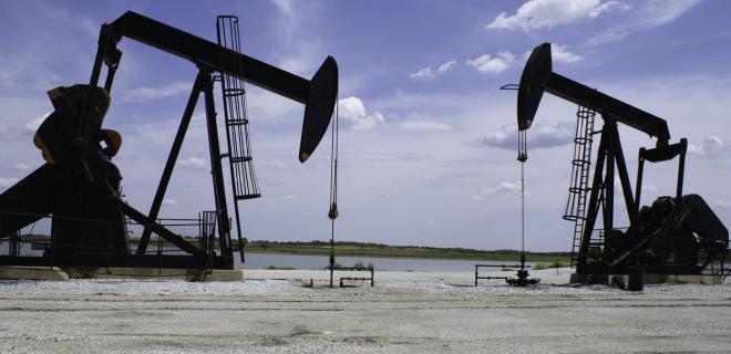Цены на нефть падают на фоне роста буровой активности в США - Фото