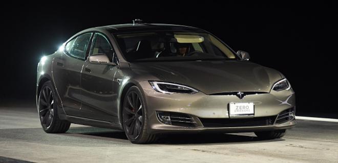 Tesla Илона Маска впервые открыла зарубежное подразделение - Фото