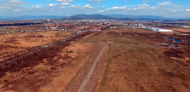 В Западной Украине могут построить новый аэропорт - Фото