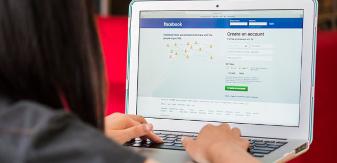 Facebook предложит платный отказ от рекламы - Фото