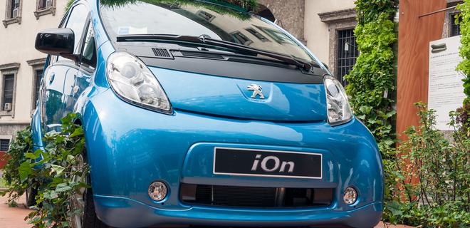 Производитель Peugeot и Citroen займется электромобилями - Фото