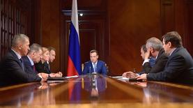 Власти России обещают поддержку попавшим под санкции компаниям
