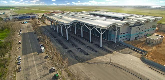 Реконструкцию Одесского аэропорта закончат в 2019 году - Омелян - Фото