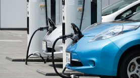 Ввоз электромобилей в Украину увеличился в три раза: инфографика