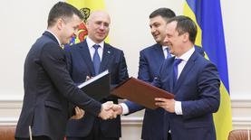 Украина и Молдова договорились о свободных дорогах и небе