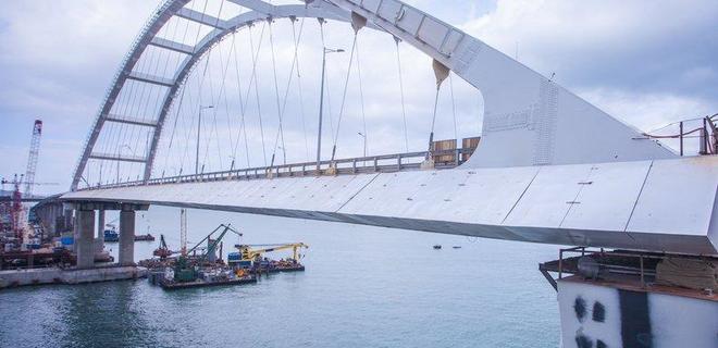 Строители Керченского моста попадают под санкции - Омелян - Фото