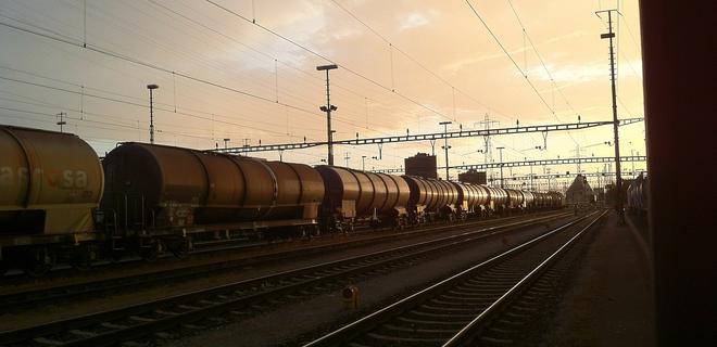 Таможня после сбоя начала оформлять импорт нефтепродуктов - Фото