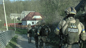 Как под Винницей 100 полицейских и КОРД усмиряли дебошира: видео