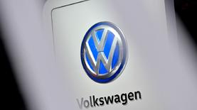 "Volkswagen изменит логотип для ""эры электромобилей"""