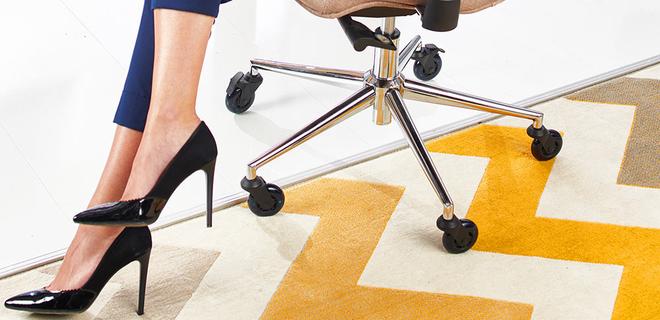 Украинцы вывели на Kickstarter колеса для офисных стульев - Фото