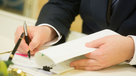 Порошенко подписал закон об упрощении ввоза импортных автомобилей