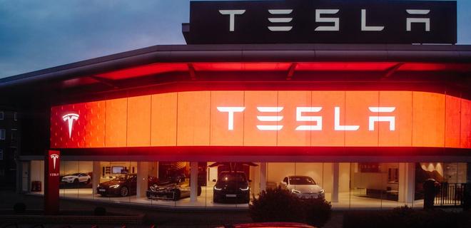 Из Tesla ушел куратор разработки автопилотов - Фото