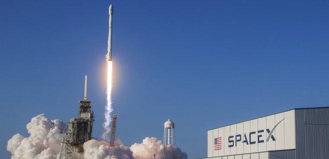 SpaceX перенесла первый полет космических туристов - СМИ - Фото