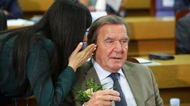 Роснефть выплатит Герхарду Шредеру крупное вознаграждение