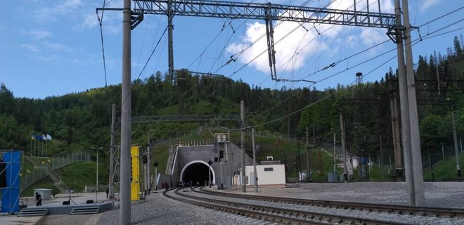 В Украине открыли Бескидский тоннель: фото, видео - Фото