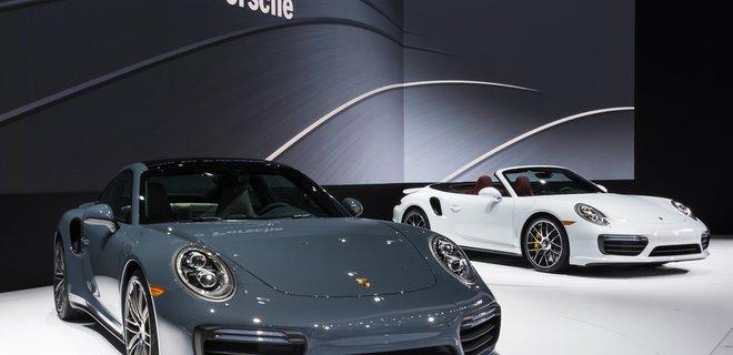 Porsche приостановил продажу новых авто в Европе - Фото