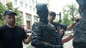 У здания Кабмина задержали мужчину с оружием – полиция